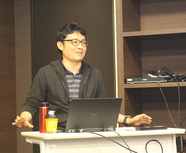 講義中の赤穂雄磨さん