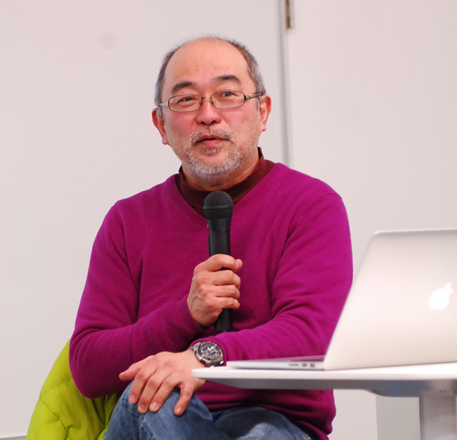 講義中の服部圭郎先生